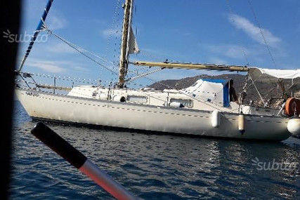 Hallberg-Rassy 31 for sale in Italy for €15,500 (£13,899)