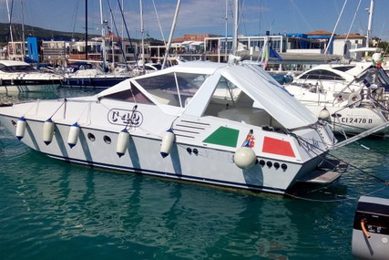 Tecnomarine C 42 for sale in Italy for €22,000 (£19,552)