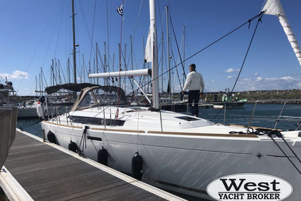 Jeanneau Sun Odyssey 389 for sale in France for €206,000 (£183,017)