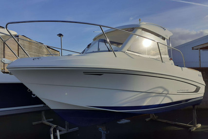 Beneteau Antares 5.80 for sale in France for €17,990 (£15,988)