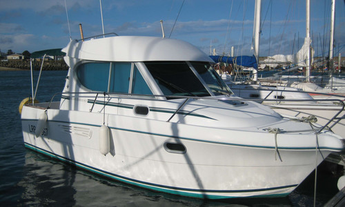 Image of Jeanneau Merry Fisher 805 for sale in France for €34,500 (£30,919) Saint Quay Portrieux, , France