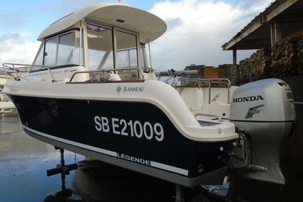 Jeanneau Merry Fisher 625 for sale in France for €18,500 (£16,436)