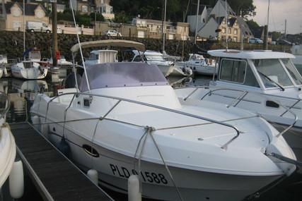 Beneteau Flyer 750 Sundeck for sale in France for €32,000 (£28,440)
