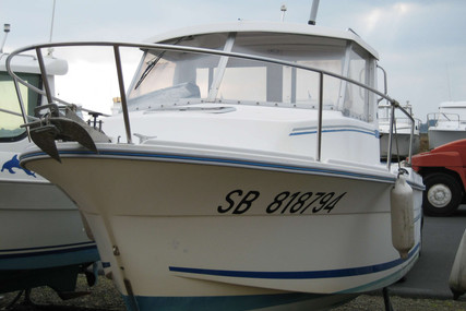 Dufour Yachts GIB SEA 600 for sale in France for €7,000 (£6,277)