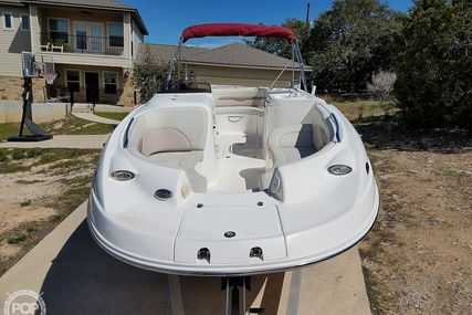 Chaparral 232 Sunesta for sale in United States of America for $22,750 (£18,215)