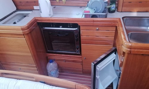 Image of Bavaria 42 CRUISER for sale in Spain for €90,000 (£81,068) Torrevieja, Alicante, Spain