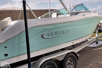 Robalo R207 for sale in United States of America for $50,000 (£39,967)