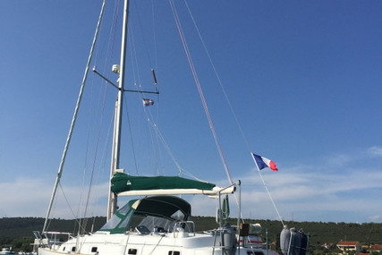 Beneteau Oceanis 36 CC for sale in France for €55,000 (£49,741)