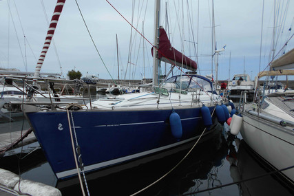 Beneteau Oceanis 411 for sale in France for €80,000 (£72,066)
