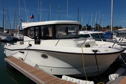 Quicksilver 905 Pilothouse for sale in France for €85,000 (£76,224)