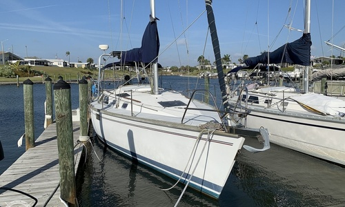 Image of Hunter Legend 35.5 for sale in United States of America for $27,000 (£21,618) Venice, Florida, United States of America