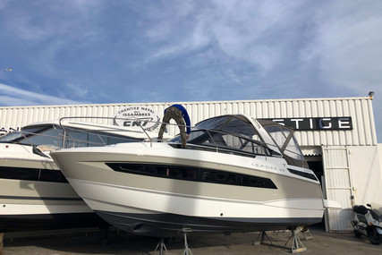 Jeanneau Leader 30 for sale in France for €145,000 (£129,805)