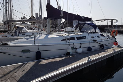 Jeanneau Sun Odyssey 37 for sale in France for €69,500 (£61,017)