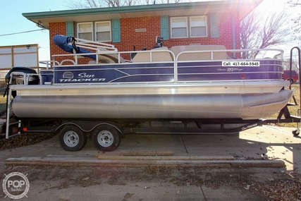 Sun Tracker Fishin Barge 20 DLX for sale in United States of America for $28,900 (£23,309)