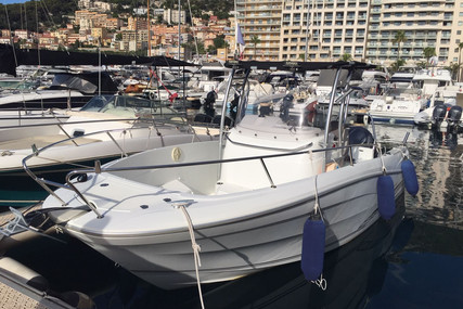 Jeanneau Cap Camarat 7.5 Cc for sale in France for €37,500 (£32,986)