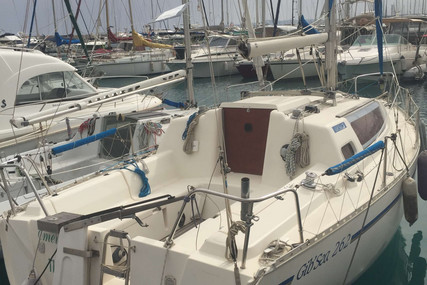 Dufour Yachts GIB SEA 262 for sale in France for €15,000 (£13,558)