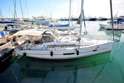 Dufour Yachts 382 GL for sale in France for €129,000 (£117,730)