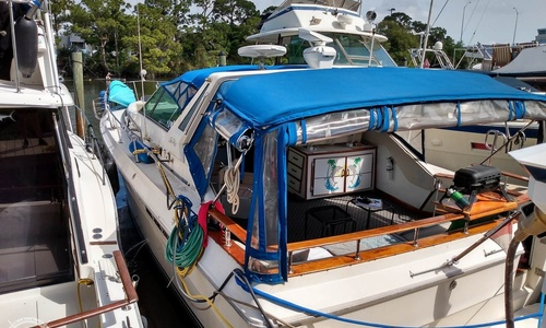 Image of Sea Ray 390 Express for sale in United States of America for $25,900 (£20,793) Merritt Island, Florida, United States of America