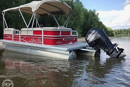 Sun Tracker DLX Party Barge for sale in United States of America for $27,800 (£22,422)