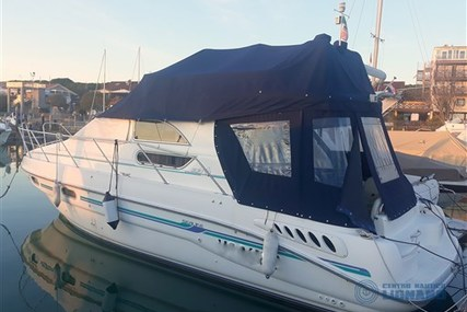 Sealine 33 Fly for sale in Italy for €86,000 (£77,465)