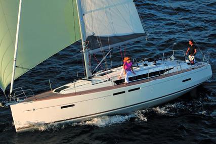 Jeanneau Moorings 419 for charter in Brazil from €4,830 / week