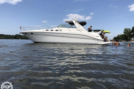 Sea Ray 370 Sundancer for sale in United States of America for $69,000 (£55,399)