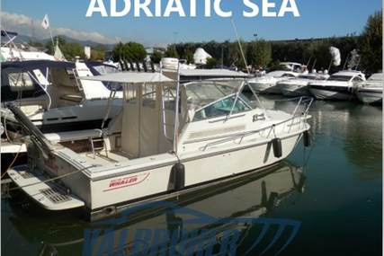 Boston Whaler 31 Express for sale in Italy for €43,000 (£38,335)