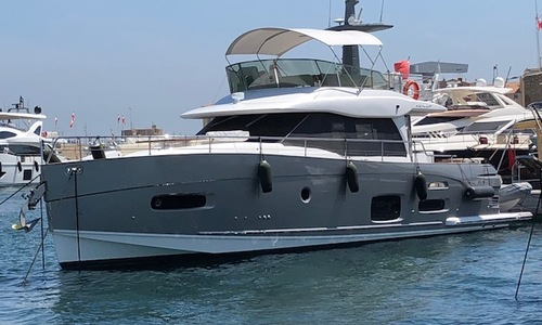Image of Azimut Yachts Magellano 53 for sale in France for €745,000 (£678,167) SUD DE LA , France