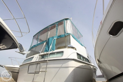 Chris-Craft 372 Catalina for sale in United States of America for $24,900 (£20,085)