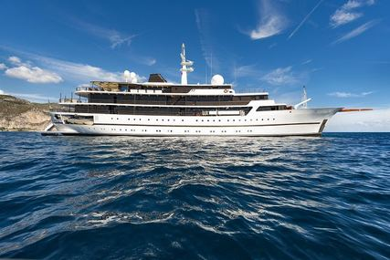 CHAKRA for charter from €495,000 / week