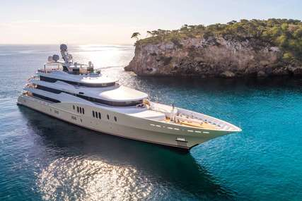 EMINENCE for charter from $800,000 / week