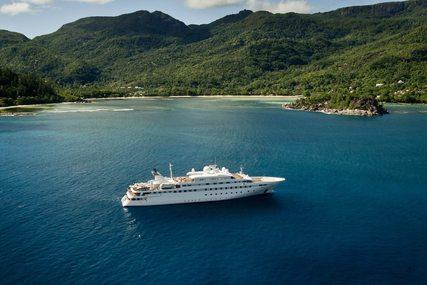 Image of LAUREN L for charter from €695,000 / week ,