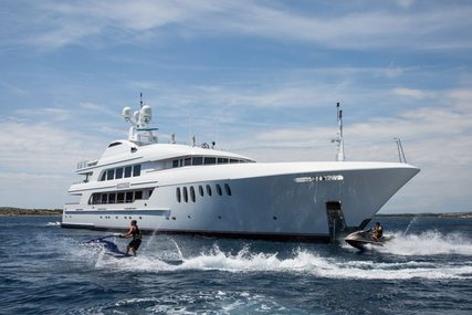 MUSTIQUE for charter from €230,000 / week