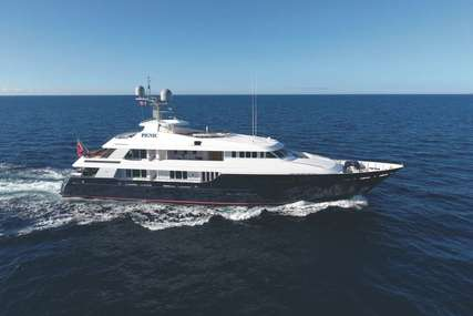 PICNIC for charter from $245,000 / week