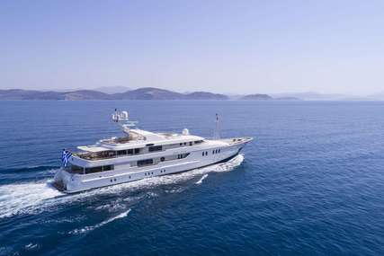 MARLA for charter from €165,000 / week