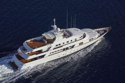 AZUL V for charter from $155,000 / week