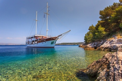 CESARICA for charter from €29,500 / week