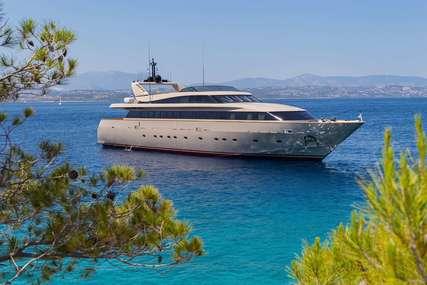 CHRISTINA V for charter from €70,000 / week