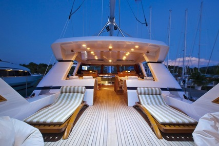 REE for charter from $52,000 / week