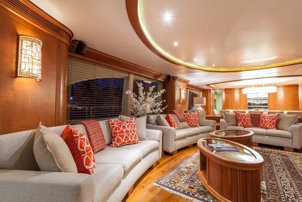 HAPPY HOUR for charter from $60,000 / week