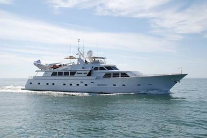 PURE KNIGHT LIFE for charter from $29,000 / week