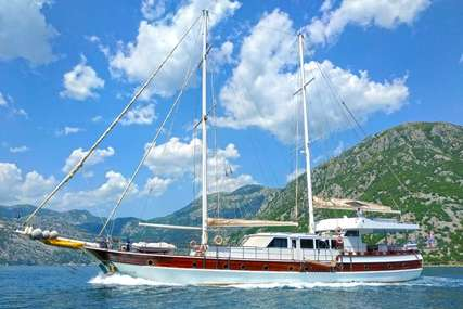WHITE SWAN for charter from €21,000 / week