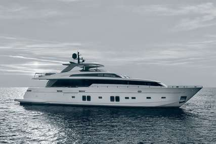 Salt for charter from €60,000 / week