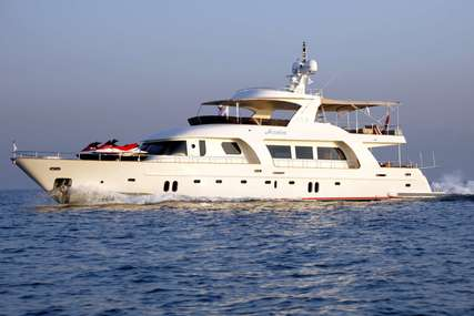AZMIM for charter from €18,550 / week