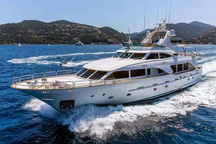 New star for charter from €50,000 / week