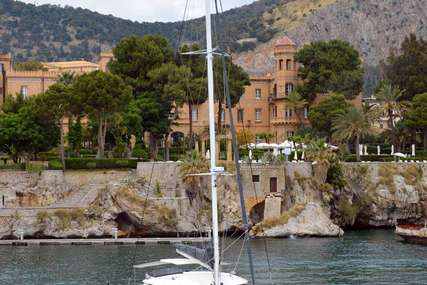 Fontaine Pajot WHALE for charter in  from €14,900 / week