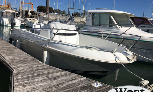Image of Jeanneau Cap Camarat 5.1 CC for sale in France for €14,900 (£13,439) France