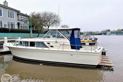 Chris-Craft Commander 31 Sedan Bridge for sale in United States of America for $24,000 (£19,225)