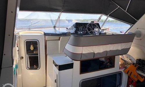 Image of Cruisers Yachts 336 Ultra Vee for sale in United States of America for $22,750 (£16,525) Mayfield, New York, United States of America