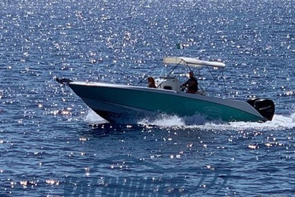 Boston Whaler 27 Outrage for sale in Italy for €46,000 (£41,010)